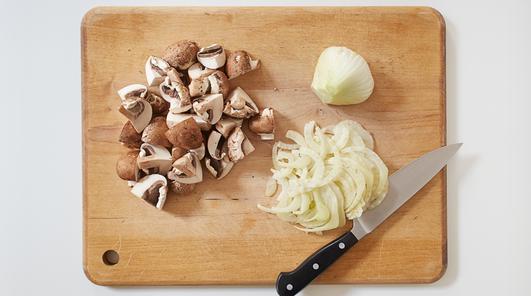 Medium vegan wholewheat fusilli with mushrooms fennel and pecans step 1