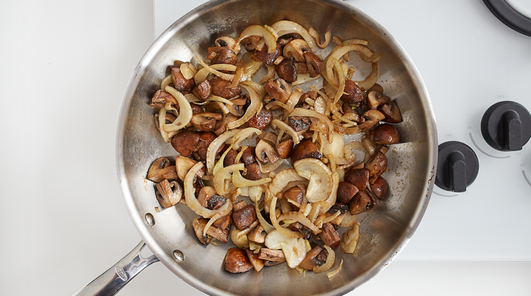 Medium vegan wholewheat fusilli with mushrooms fennel and pecans step 2
