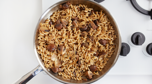 Medium vegan wholewheat fusilli with mushrooms fennel and pecans step 5