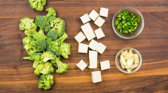 Vegan_Coconut_Tofu_Bowl_Step-1