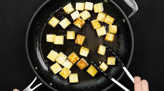 Vegan_Coconut_Tofu_Bowl_Step-2