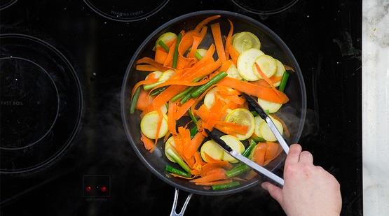 how to cook broccoli and carrots on stove