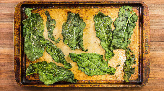 Prepare the kale chips