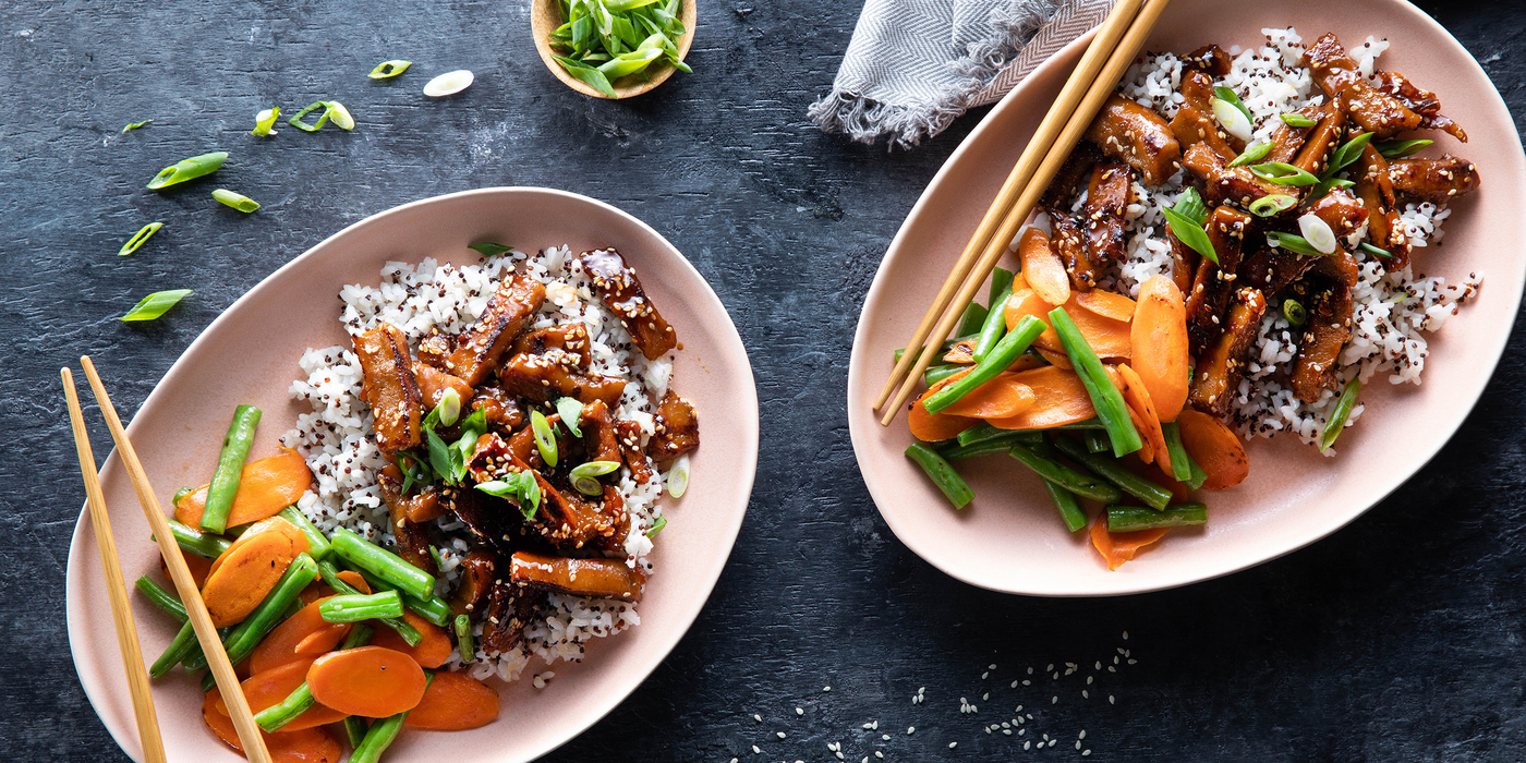 Sticky Apricot Seitan with Green Beans & Quinoa Speckled Rice