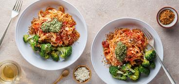 368 173 vegan fettuccinearrabiatawithroastedbroccoli horizontal