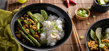 Congee with Black Pepper Tempeh & Asparagus