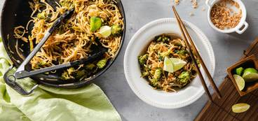 368 173 vegan tamarind pad thai with broccoli   crispy onions hero