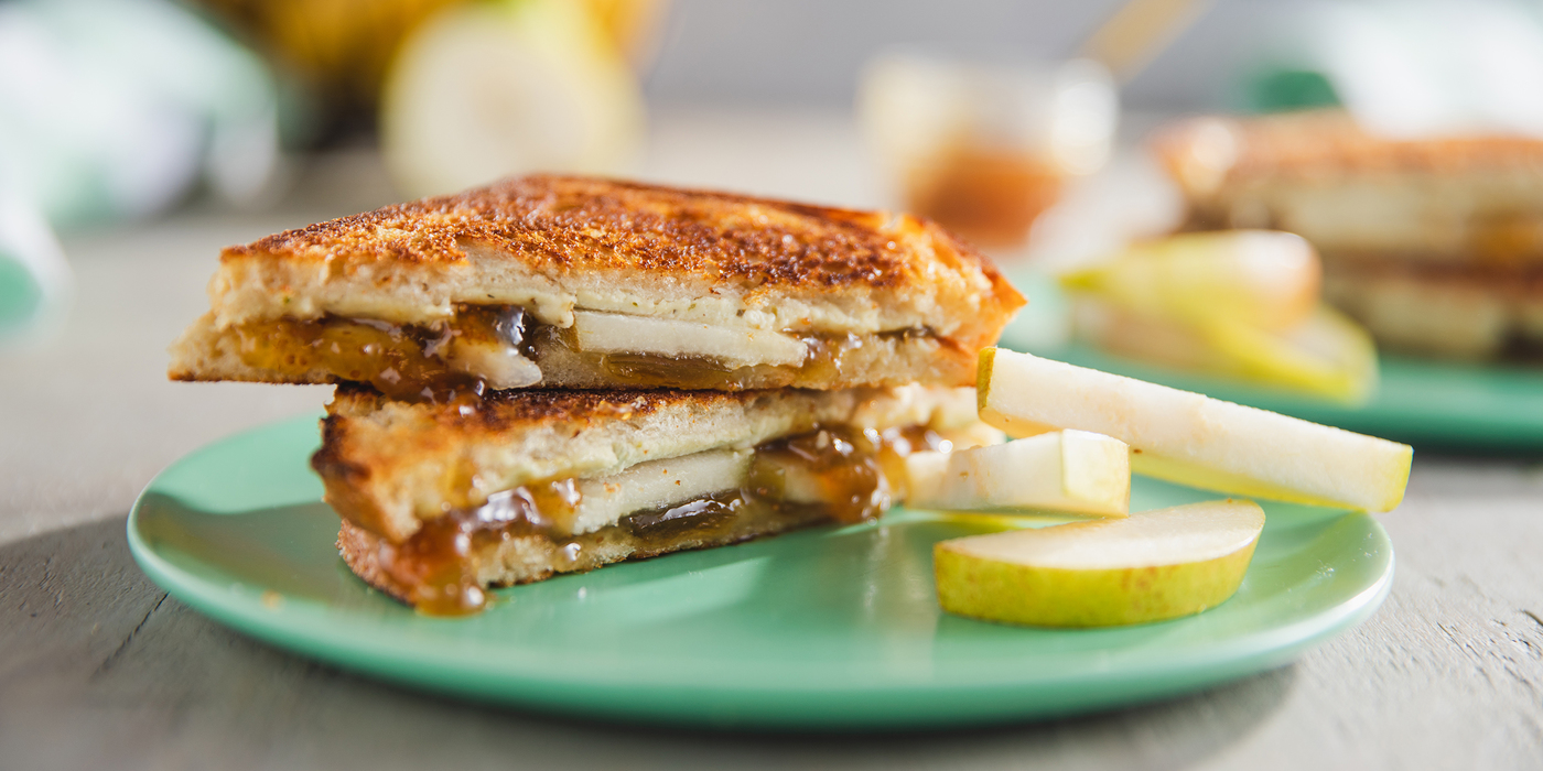 Figgy Grilled Cheese Sandwiches with Pear