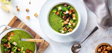 368 173 vegan broccolicheddarsoup horizontal