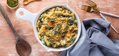 Garlicky Kale Mac n' Cheese with Crispy Breadcrumbs & Pesto