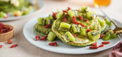 Matcha Pancakes with Kiwi & Goji Berries