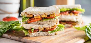 Smoky Tempeh BLTs with Garlic Aioli
