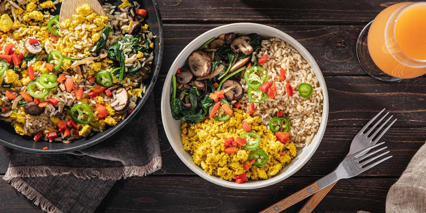 1400 700 vegan farmer s market tofu scramble with mushrooms   spinach horizontal