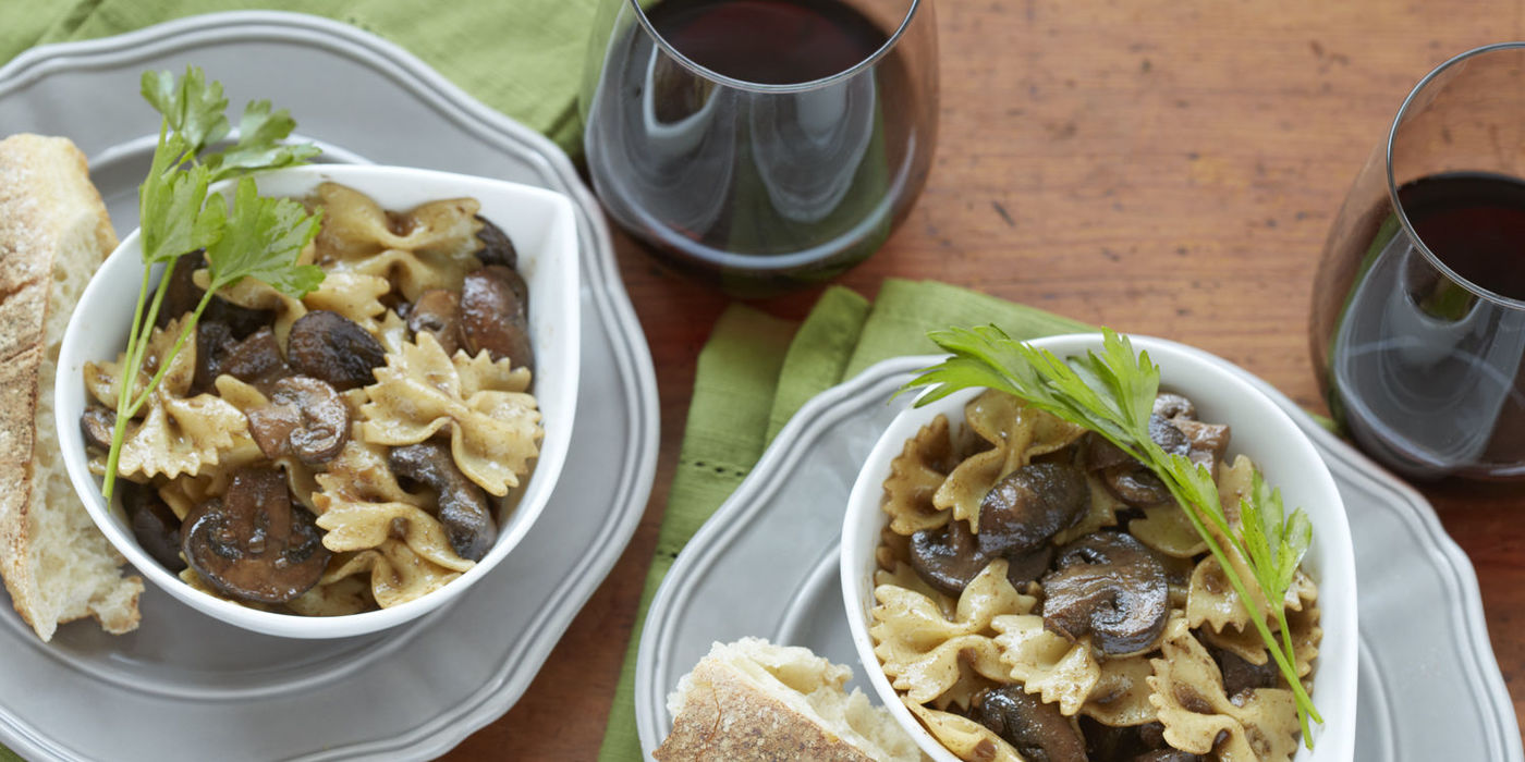 1400 700 31bc d611 farfalle with mushrooms beauty