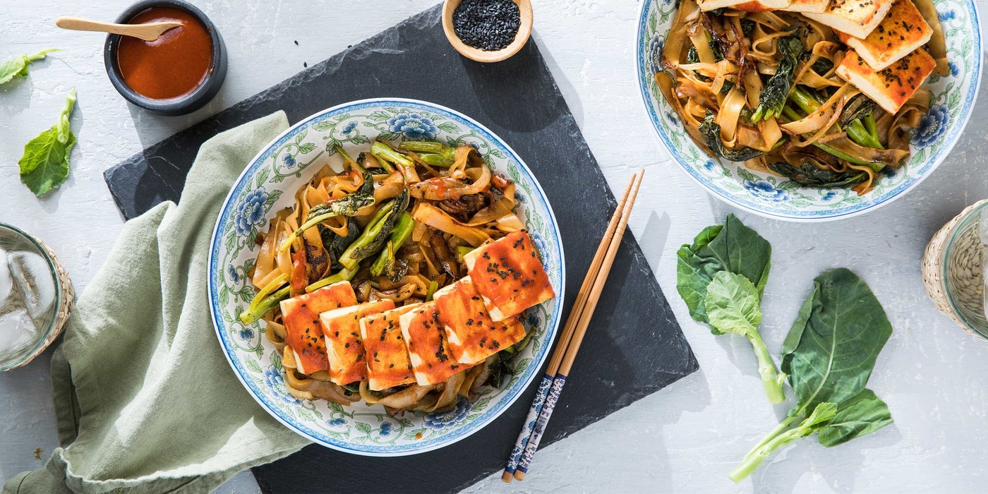 Sriracha Tofu with Drunken Noodles and Chinese Broccoli