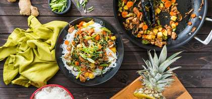 Tamarind Glazed Jackfruit with Stir-Fry Vegetables & Fresh Pineapple