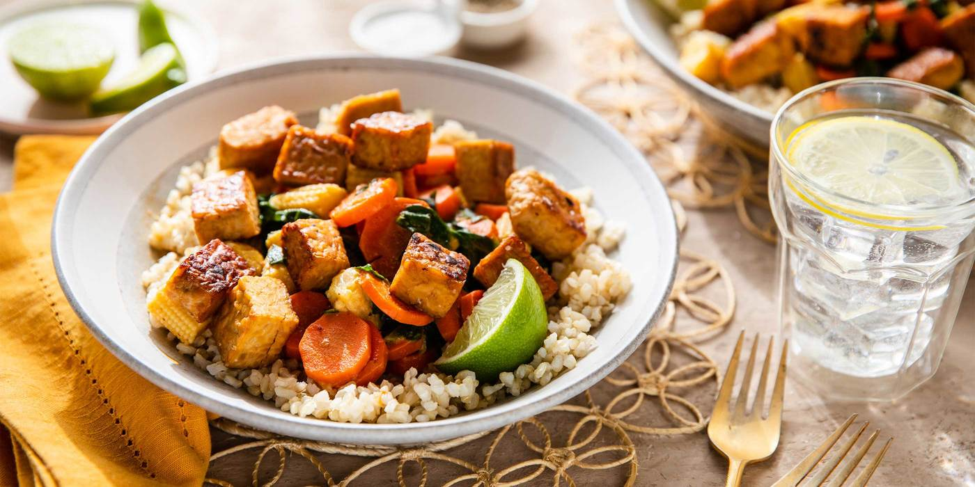 Red Curry Tempeh with Baby Corn & Brown Rice