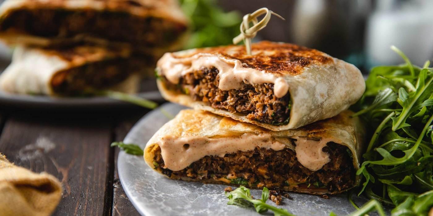 Black Bean Burger Crunch Wraps with Chipotle Aioli & Lemon Arugula Salad
