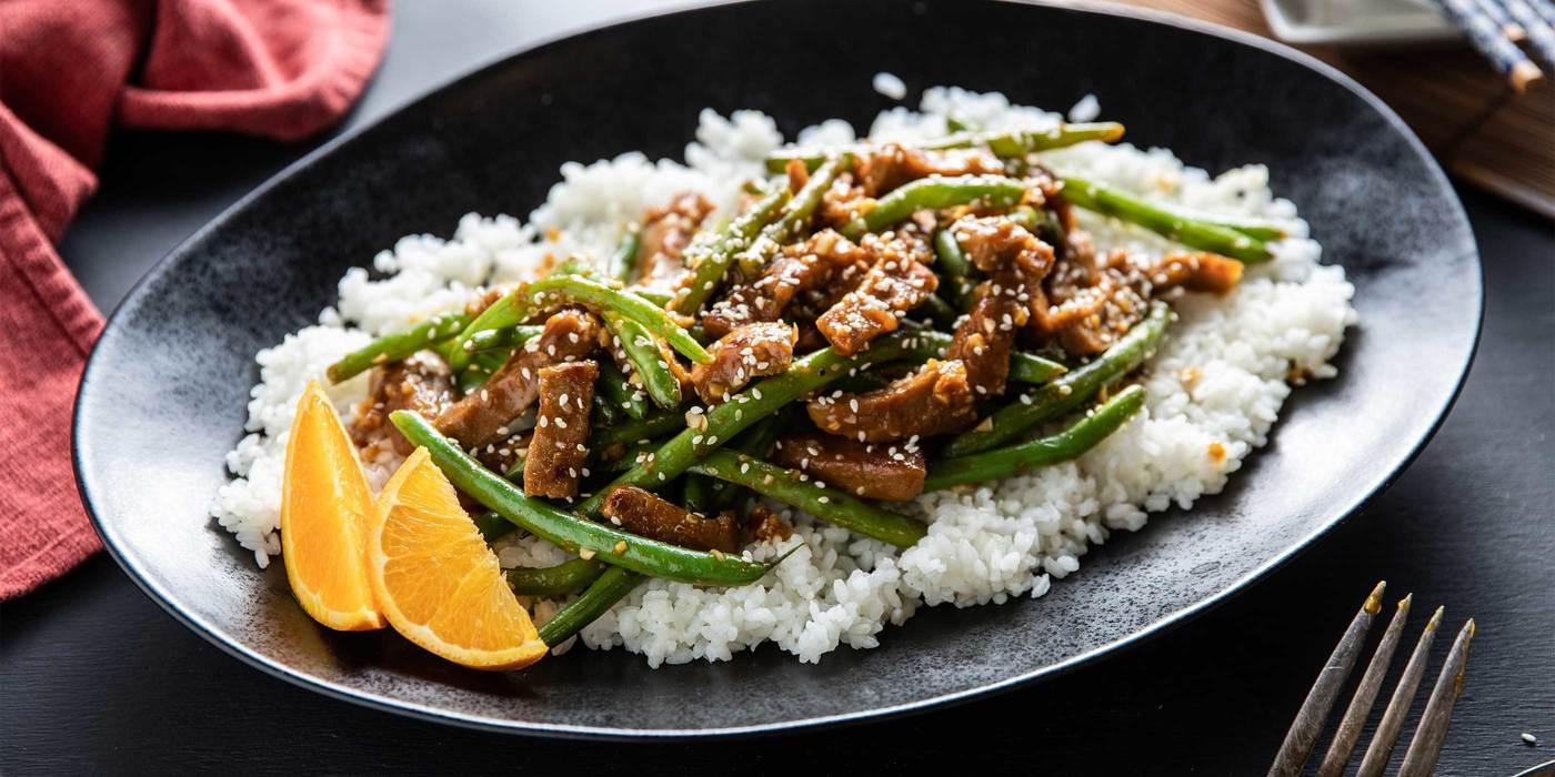 Orange Sesame Seitan with Green Beans & Sticky Rice