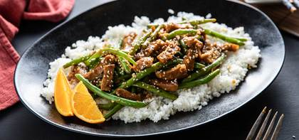 Orange Sesame Seitan with Green Beans & Sticky Rice