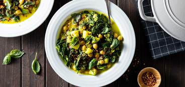 Spiced Chickpea Stew with Turmeric & Coconut