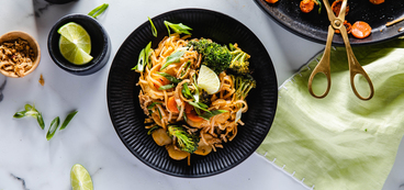Pad Thai with Broccoli & Water Chestnuts