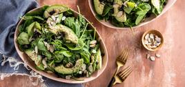 268 126 vegan spinachsaladswithdriedblueberries hero