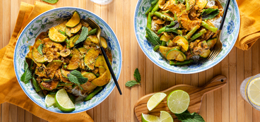 Vegetable Laksa with Mushrooms & Rice Noodles