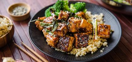 General Tso's Tofu with Quinoa and Steamed Broccoli